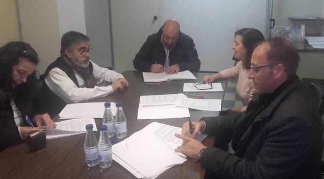 Firma del convenio colectivo en el sector de hostelería de Valladolid.