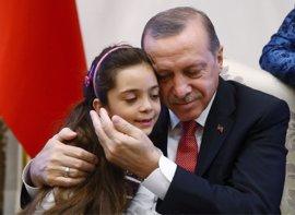 Erdogan recibe a Bana Alabed, la niña siria que ha 'tuiteado' la batalla por Alepo