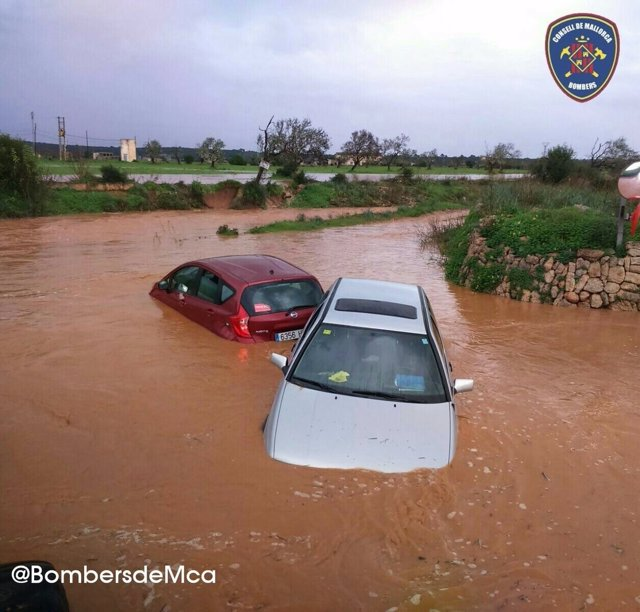 Inundaciones en la carretera en Mallorca por la lluvia
