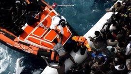 Mueren siete migrantes y 300 son rescatados este miércoles en el Mediterráneo