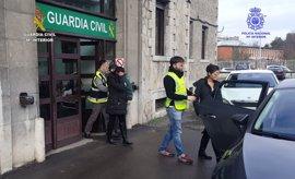 Detenidas por robar joyas y dinero en viviendas de Santander y Bilbao