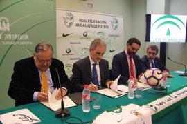 Acuerdo de Junta y Federación Andaluza de Fútbol para prevenir riesgos en el deporte