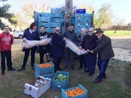 Asaja dona media tonelada de alimentos al centro de acogida de Ca'n Gazà