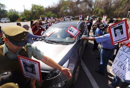 Diez presos por violaciones de DDHH durante el régimen de Pinochet piden perdón
