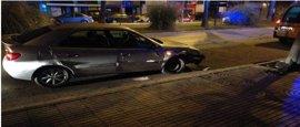 Un conductor que cuadruplicaba la tasa de alcohol choca contra un árbol en Badajoz