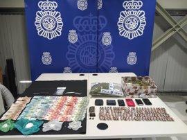 Detenidos dos jóvenes acusados de vender droga en un garaje de Cáceres