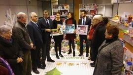 Cáritas celebra la campaña de juguetes con Abanca, que atenderá a varios cientos de niños