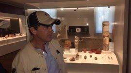 El actor Antonio Banderas visita el Museo de Málaga e invita a conocer su colección