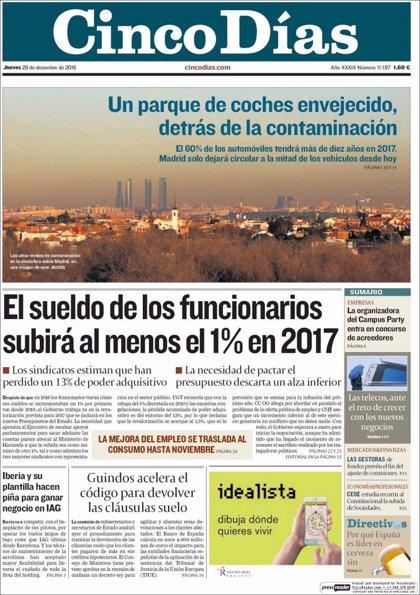 Las portadas de los periódicos económicos de hoy, jueves 29 de diciembre