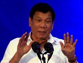 Duterte dice que las islas construidas por China no suponen un problema