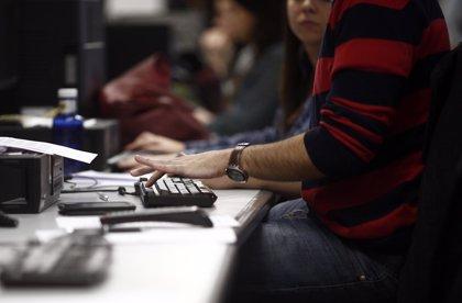 (Ampl.) Una de cada cinco empresas ha modificado las condiciones laborales de sus trabajad