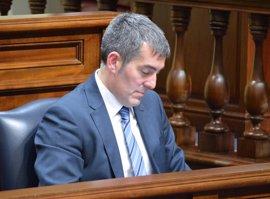 PSOE, NC y Podemos solicitan la comparecencia urgente de Clavijo ante el Parlamento