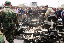 Muere un civil y diez resultan heridos en dos atentados con coche bomba en Bagdad