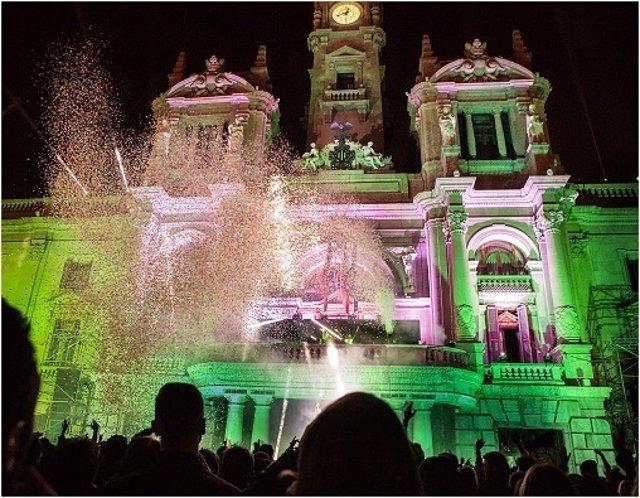 Fiesta de Nochevieja en la Plaza del Ayuntamiento de Valencia