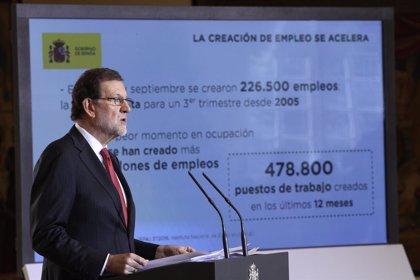 El Gobierno aprueba la subida del 0,25% de las pensiones y del 8% del SMI para 2017