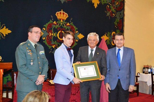 Sanz durante la entrega del premio Habecu 2016 al mejor expediente académico