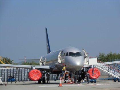 Interjet dejará en tierra once aviones rusos Superjet100