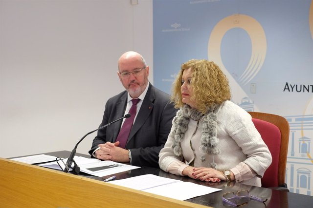 Nota De Prensa Y Fotografía. Adela Castaño Inversión En Colegios