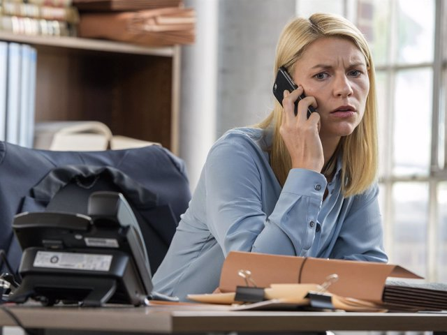 Claire Danes as Carrie Mathison in HOMELAND (Season 6, Episode 02).