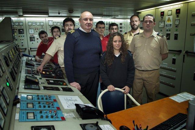 Alumnos de náutica en prácticas en Transmediterránea