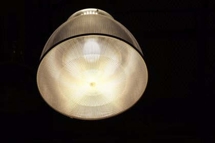 El PP se marca como objetivo político la congelación de los peajes de luz y gas