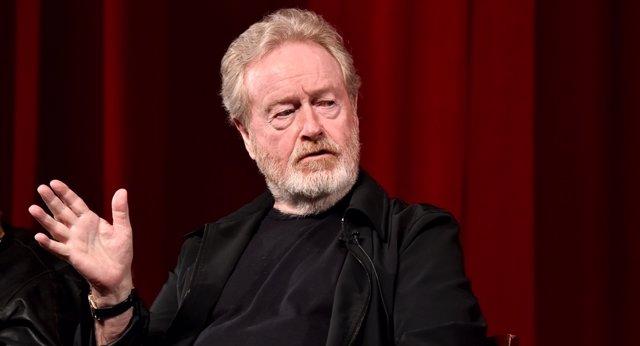 """Ridley Scott carga contra el cine de superhéroes: """"Yo quiero seguir haciendo películas inteligentes"""""""