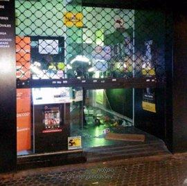Detenido 'in fraganti' el presunto autor de un robo en una tienda de móviles de Sevilla