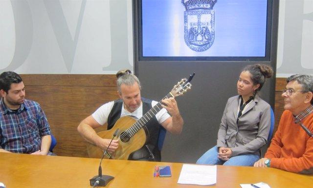 Presentación del concierto 'Viaje tras las seis cuerdas'.