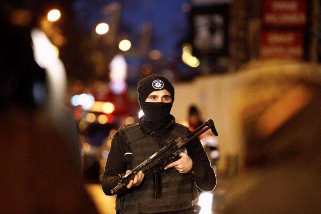 Atentado terrorista contra una discoteca en Estambul, Turquía