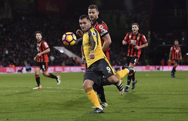 Lucas Pérez marca su primer gol en Premier con el Arsenal