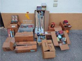 Intervienen 50.000 artefactos pirotécnicos en comercios de Marbella, Mijas y Fuengirola