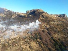 Extinguido el incendio forestal declarado el monte Lakora, en Isaba