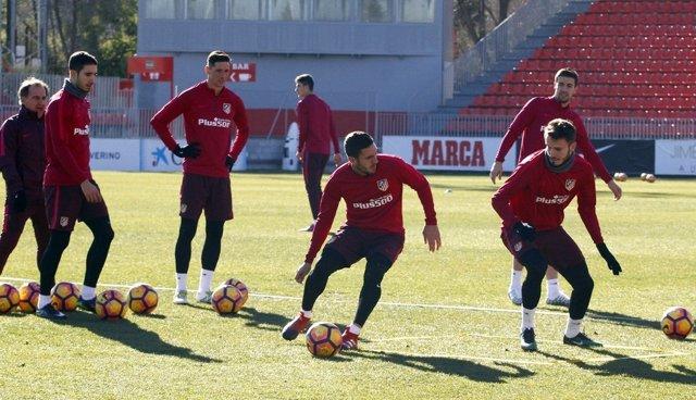 Koke y Sául Ñíguez en el entrenamiento del Atlético
