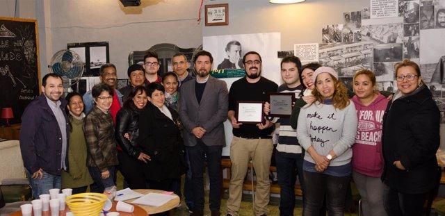 Visita del cónsul de Ecuador a la comunidad ecuatoriana en Almería en LaOficina.