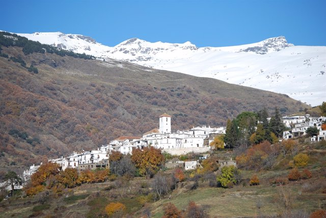 Vista del municipio de Capileira (Granada)