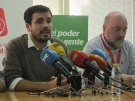 """Garzón dice que IU no será """"la izquierda domesticada"""" que pase por lo que planteé """"la gran coalición"""" entre PP y PSOE"""