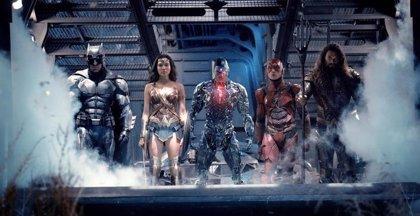 La Liga de la Justicia: Batman, The Flash, Wonder Woman, Aquaman y Cyborg, listos para la lucha en la nueva imagen