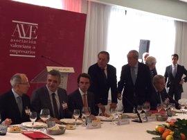 """Aznar insta a """"recuperar"""" la """"singularidad"""" territorial sin caer en las """"tentaciones del radicalismo"""""""