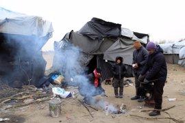 Decenas de inmigrantes, atrapados en la frontera entre Serbia y Hungría a -20º