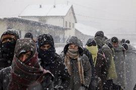 MSF advierte de que el invierno pone en peligro la vida de los refugiados en los Balcanes