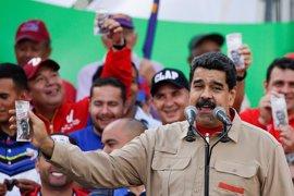 """La Asamblea Nacional venezolana reprueba a Maduro por """"abandono del cargo"""""""