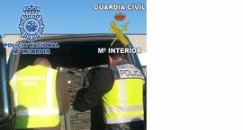 Seis detenidos por vender productos robados en campos de Málaga, Granada y Almería