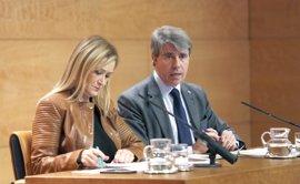 Varios 'barones' del PP recelan de las primarias de Cifuentes mientras el PP valenciano guarda silencio