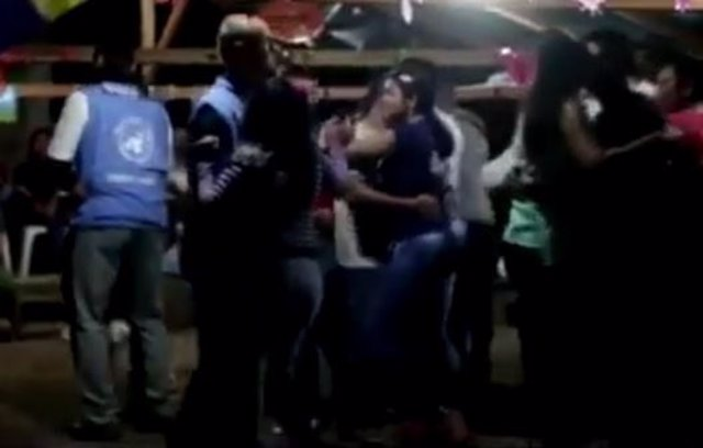 Observadores de la ONU bailan con FARC