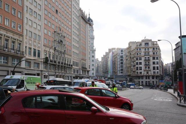 Cortes de tráfico en la calle Gran Vía de Madrid por Navidad