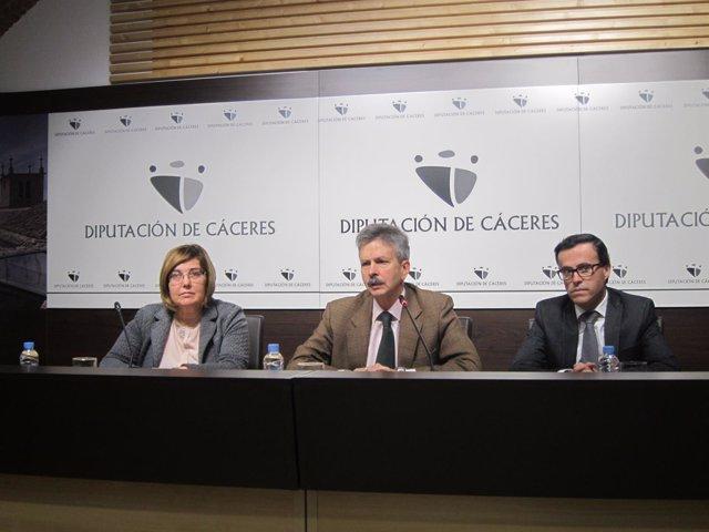 Convenio del PIEM entre Junta de Extremadura y diputaciones Badajoz y Cáceres