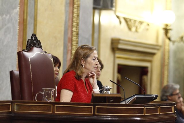 Ana Pastor en la sesión de investidura en el Congreso