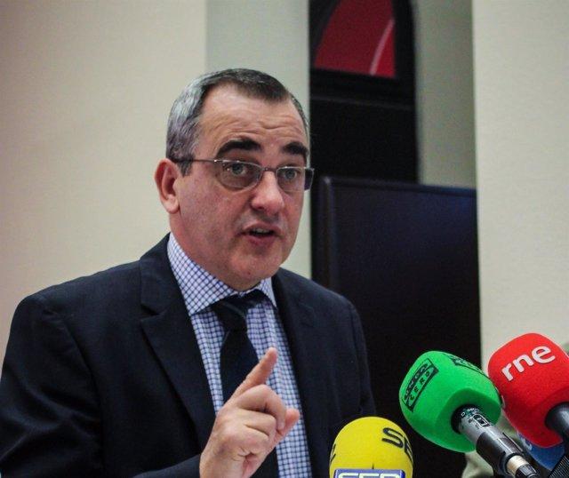 El vicerrector de Política Científica de la UZ, Luis Miguel García Vinuesa