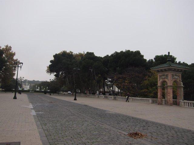 Entrada Al Parque Grande Labordeta De Zaragoza