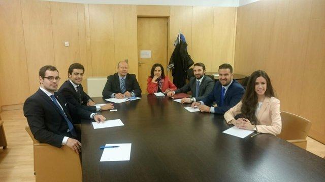 Encuentro de AJA Madrid con el PSOE